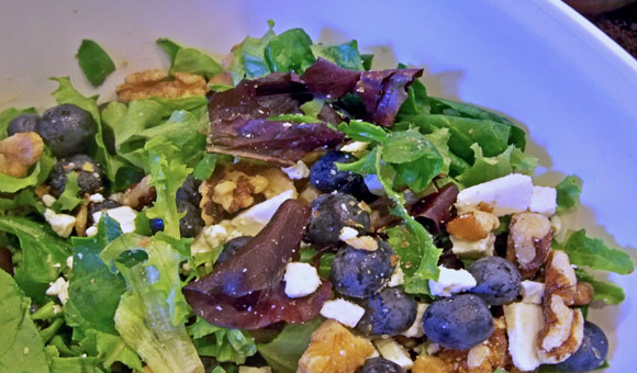 blueberry-walnut-salad