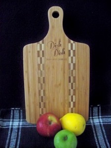 cutting board, display, bamboo, recipes, cooking, cookbook, recipe, online, eco-friendly, digitize recipes, digital cookbook, dish dish