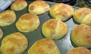 easy whole wheat dinner rolls recipe, thanksgiving, easy bread recipe