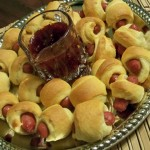 cocktail appetizers, sausage dogs, mini hot dogs, crescents and hot dogs, party food, easy recipe