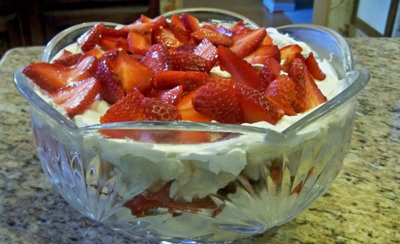strawberry trifle, easy dessert recipe
