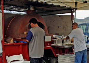 brick oven pizza, farmers market, Hawaii