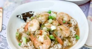 Shrimp soup and rice - Unsplash